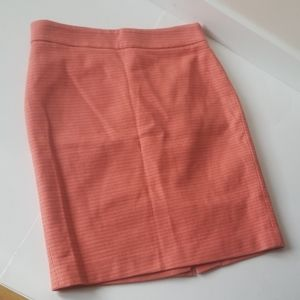 5/$25 Ann taylor pencil skirt coral pink size 8